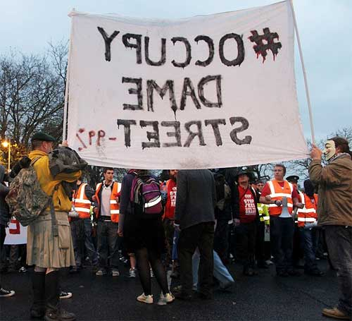 USI stewards prevent Occupy Dame Street banner joining march (photo William Hederman)
